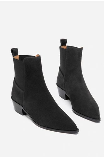 Willow Suede Black