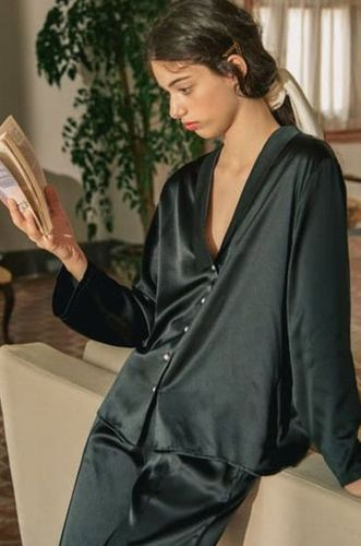 Pearl Buttons Silk Pyjamas Set Black