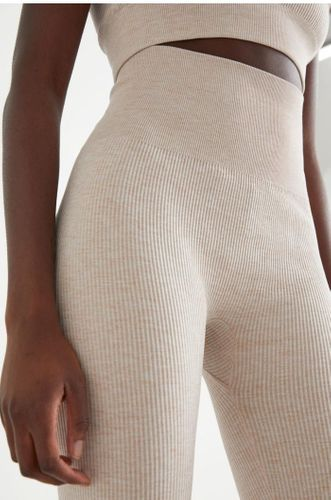 Ribbed Seamless Yoga Tights in Light Beige