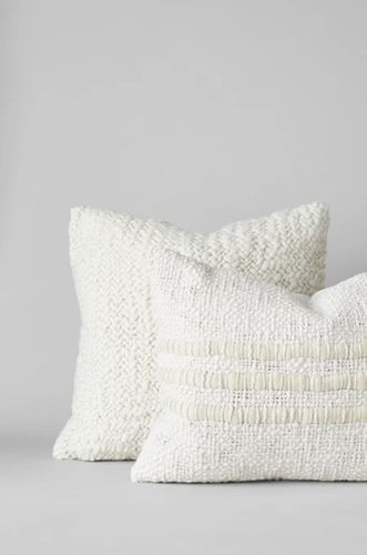 Nube Handwoven Wool Pillow in Ivory